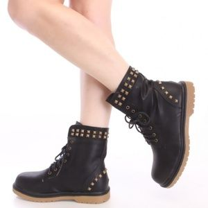 🆕 Reneeze 7.5 Combat studded faux leather boots
